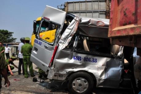 Toàn cảnh vụ tai nạn thảm khốc tại Quảng Ngãi