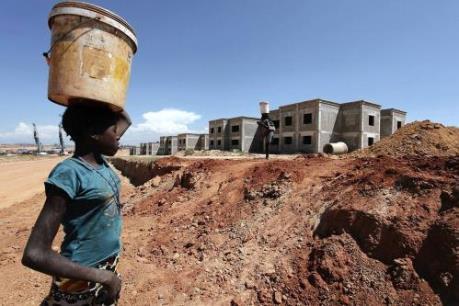 Nguyên nhân tăng trưởng kinh tế Nam Sahara thấp nhất trong 15 năm