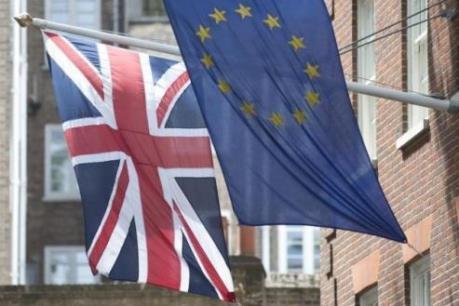 """Người Anh ở EU sẽ gặp vướng mắc pháp lý nếu """"Brexit"""" xảy ra"""