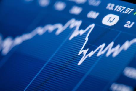 Chứng khoán sáng 6/5: Cổ phiếu ngân hàng kéo VN-Index qua mốc 605 điểm