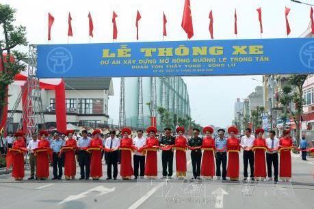 Thông xe đường Lê Trọng Tấn