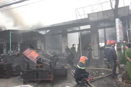 Cháy tại kho hàng của Công ty điện lực Nam Từ Liêm, Hà Nội