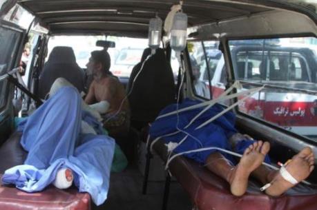 Hơn 100 người thương vong trong vụ đâm xe tại Afghanistan