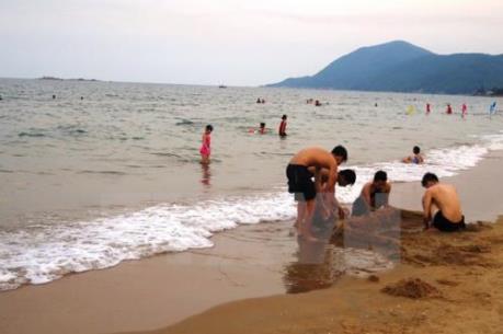Hà Tĩnh: Nước biển tại 8 bãi tắm an toàn