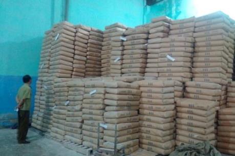 Bắt giữ hơn 100 tấn bột mì hết hạn sử dụng