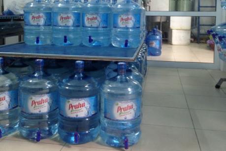 Hà Nội công bố danh sách cơ sở nước uống đóng chai không đạt chuẩn