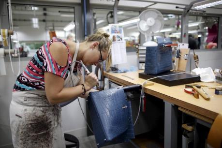 Thâm hụt thương mại Anh tăng lên mức cao nhất trong 8 năm