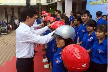 Honda tặng 1.000 mũ bảo hiểm cho đoàn viên tỉnh Bình Dương