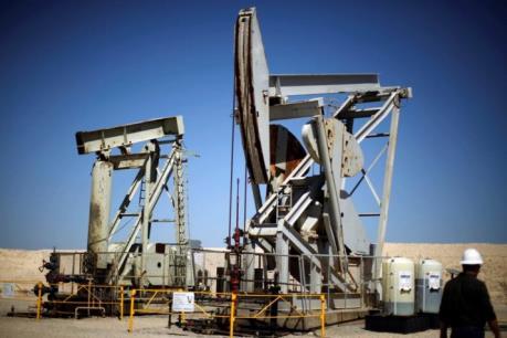 Giá dầu châu Á ngày 11/5 giảm do tác động vụ cháy rừng tại Canada