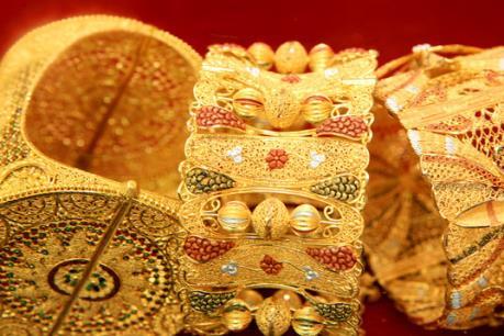 Giá vàng ổn định do đồng USD vững giá
