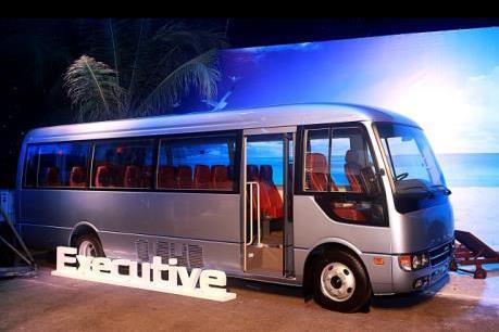 Vừa ra mắt Mercedes - Benz đã có đơn hàng mua 100 xe buýt ROSA