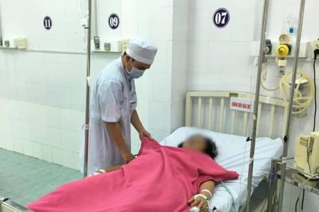 Cần Thơ: Cứu sống bệnh nhân mất máu nặng do xuất huyết vết mổ