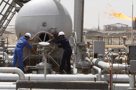 Giá dầu thế giới tăng hơn 3% trong tuần