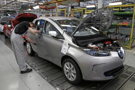 Các hãng ô tô Pháp nhanh chóng nhảy vào thị trường Iran