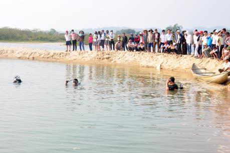 Đắk Nông: Rủ nhau tắm hồ 3 học sinh chết đuối