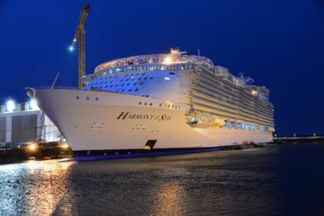 Du thuyền lớn nhất thế giới chính thức được hạ thủy