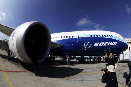 """Doanh số bán 787 Dreamliner của Boeing """"giảm tốc"""""""