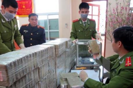 Kiểm tra xuất nhập khẩu qua lối mở biên giới Nghệ An