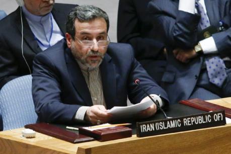 """Các ngân hàng châu Âu vẫn dè dặt """"bắt tay"""" với Iran"""