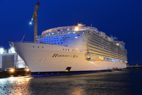 Hải trình mới trên siêu du thuyền Harmony of the Seas cho khách Việt