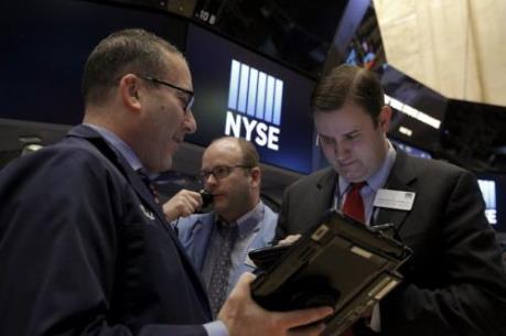 Chứng khoán Mỹ ngày 17/5 đi xuống trước đồn đoán Fed nâng lãi suất