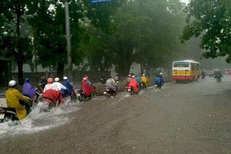 Dự báo thời tiết đêm 18/5: Nam Bộ mưa dông, đề phòng tố lốc và gió giật