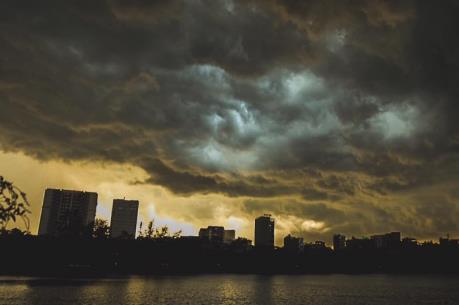 Dự báo thời tiết 3 ngày cuối tuần: Bắc Bộ ngày nắng, chiều tối có mưa rào và dông