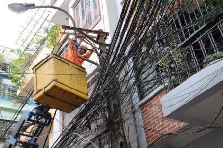 Hải Dương: Hơn 900 trường hợp vi phạm hành lang an toàn lưới điện