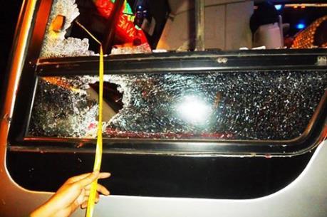 Ném đá vào ô tô trên đường cao tốc: Hiểm họa khó lường từ trò nghịch dại