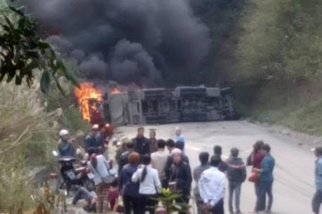 Bình Thuận: Tai nạn giao thông kinh hoàng, ít nhất 10 người chết