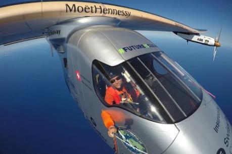 Máy bay năng lượng Mặt Trời hoàn thành chặng bay thứ 11