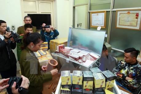 Hà Nội: Bắt vụ vận chuyển thuốc lá ngoại nhập lậu lớn nhất 4 năm qua