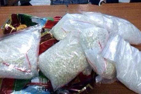 Bắt đối tượng vận chuyển trái phép 200 viên ma túy từ Lào về Việt Nam