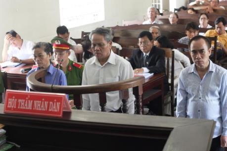 Nguyên Tổng Giám đốc Công ty mía đường Tây Ninh lĩnh án 10 năm tù giam