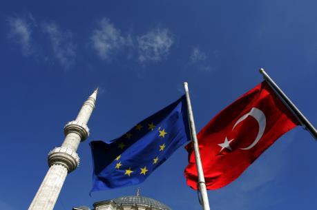 """Công dân Thổ Nhĩ Kỳ vẫn chưa thể """"tự do ra vào"""" EU"""