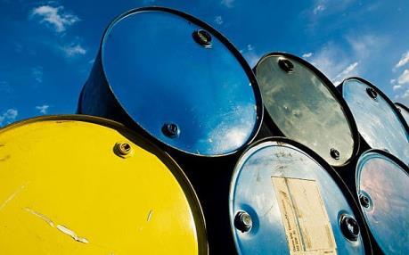 Đồng USD mạnh tiếp tục đẩy giá dầu lùi sâu