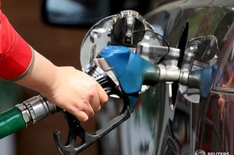 Giá dầu châu Á ngày 25/5 hướng đến mốc 50 USD/thùng