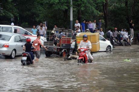 Dự báo thời tiết: Đêm 25 và sáng mai 26/5, Hà Nội tiếp tục mưa dông
