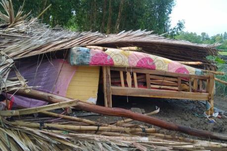 Mưa lớn kèm lốc xoáy gây nhiều thiệt hại tại Kiên Giang