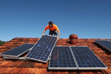 Năng lượng tái tạo thu hút hơn 8,1 triệu lao động năm 2015