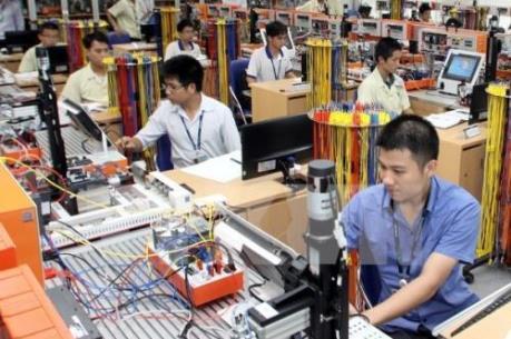 """Kinh tế Việt Nam đang vượt """"sóng"""""""