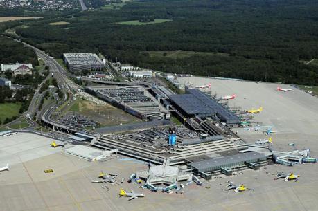Đức: Sân bay Köln/Bonn ngừng mọi chuyến bay vì lý do an ninh