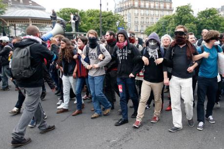 Đình công đẩy Pháp vào nguy cơ bất ổn xã hội