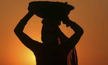 Ấn Độ tiếp tục vượt Trung Quốc về tăng trưởng kinh tế