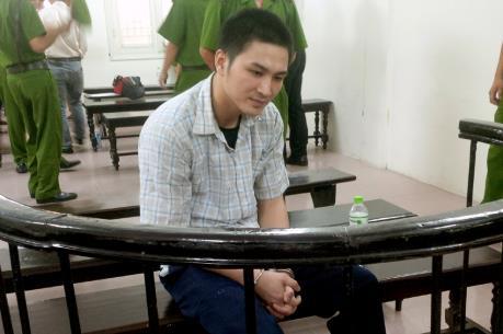 18 năm tù cho lái xe đâm, kéo lê cảnh sát giao thông