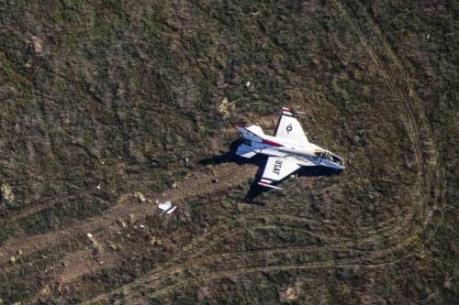 Liên tiếp hai vụ rơi máy bay quân sự tại Mỹ
