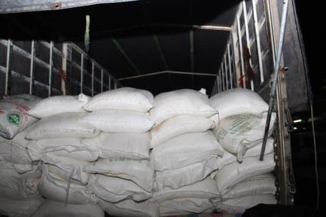 Tạm giữ hơn 42 tấn đường không rõ nguồn gốc