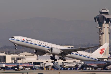 Máy bay Trung Quốc chở 300 hành khách hạ cánh khẩn cấp tại Canada