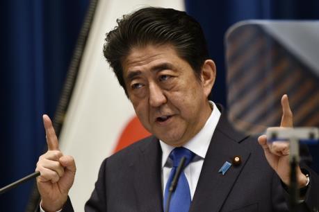 """Chính trường Nhật Bản """"dậy sóng"""" về kế hoạch hoãn tăng thuế tiêu dùng"""