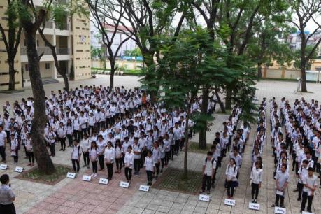 Hơn 75.000 thí sinh tại Hà Nội chính thức bắt đầu kỳ thi vào lớp 10 năm học 2016 – 2017